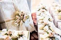 Интересные подарки на свадьбу