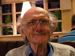 Что подарить дедушке на 90 лет