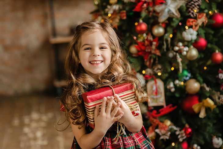 Что можно подарить дочке на Новый Год