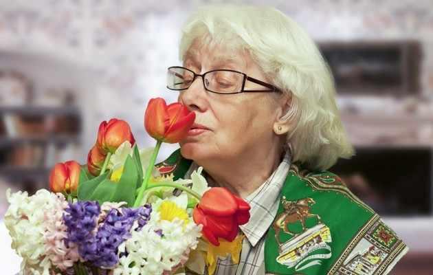 Что можно подарить бабушке на 8 марта от внука?
