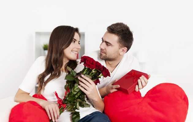 Что можно подарить девушке на День влюбленных?