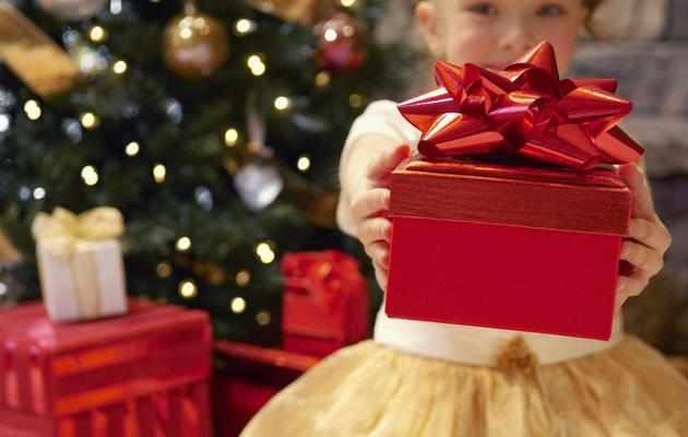 Что можно подарить старшему брату на Новый год 2021
