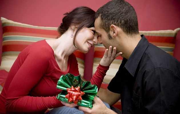 Что можно подарить мужу на День влюбленных?
