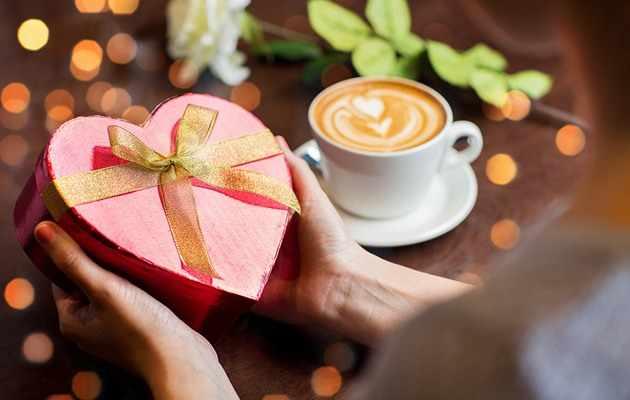 Коллекция из 55 идей подарков женщине на 14 февраля