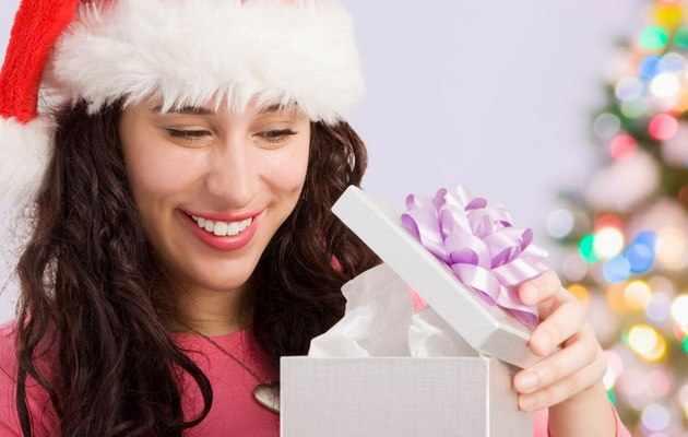 Что можно подарить жене на Новый год - список идей