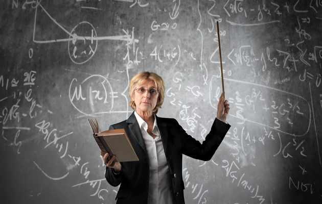 Что можно подарить дипломному руководителю женщине?