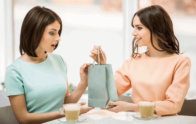 Что можно подарить подруге на 30 лет?