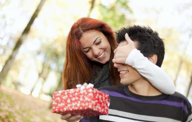 Что можно подарить мужу на день рождения, если нет денег?