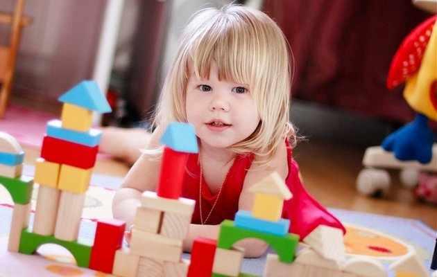 Что можно подарить дочке на 1-2 года
