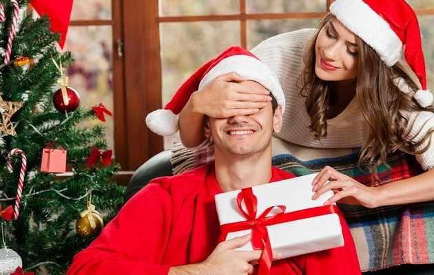 45 лучших подарков парню на Новый год 2021