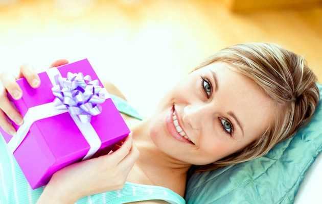 Десятки идей подарков для женщин