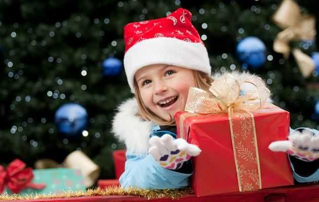 Что можно подарить девочке на Новый год?