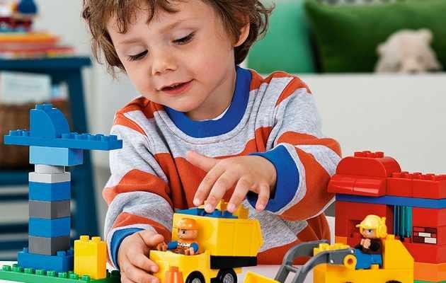 Что можно подарить мальчику 3-х лет?