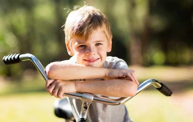 Что можно подарить мальчику 8-ми лет?