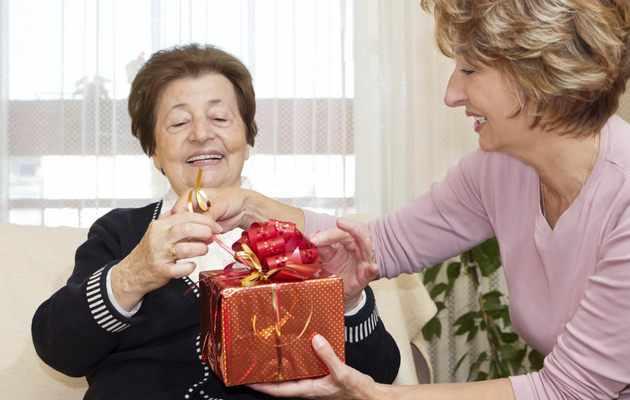 Что можно подарить маме на юбилей 80, 85 лет