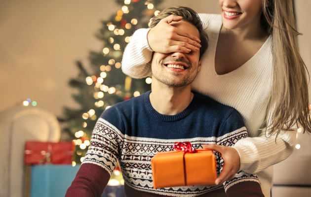 100 идей подарков мужчине на Новый год