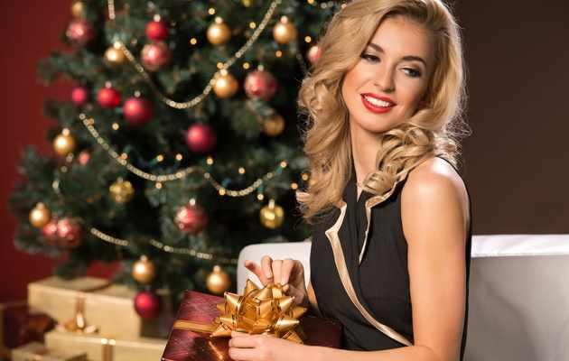 Что можно подарить любимой девушке на Новый год?