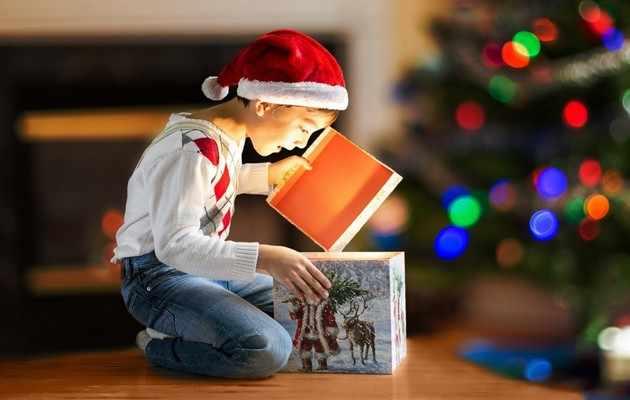 Что можно подарить мальчику на Новый год?