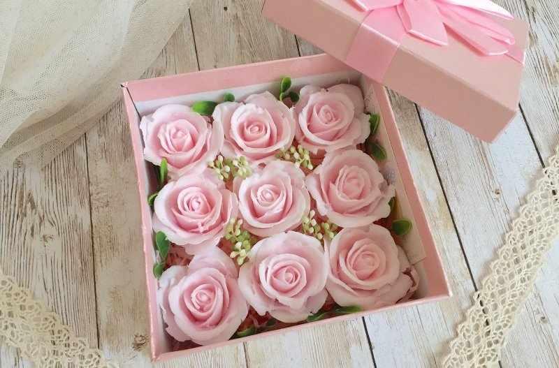 Мыльные розы выглядят как живые