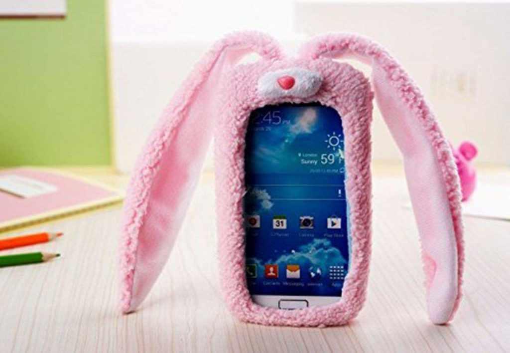 Красивый телефон розового цвета