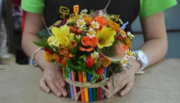 цветочный горшок из карандашей