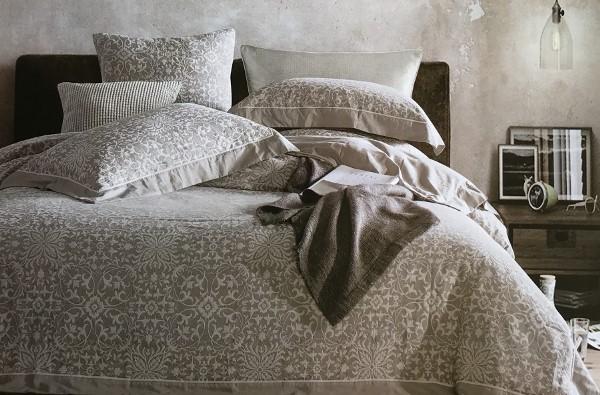 Подарок - постельное из льна
