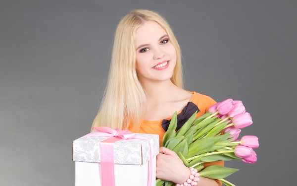 Что подарить девушке на 21 год
