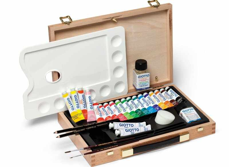 Краски для художницы