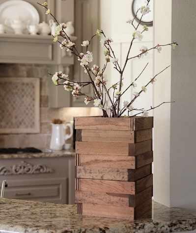 Интересная ваза-декор