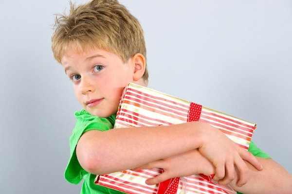 Подарки детям на день рождения в школе