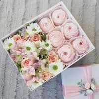Сладкая коробочка с цветами