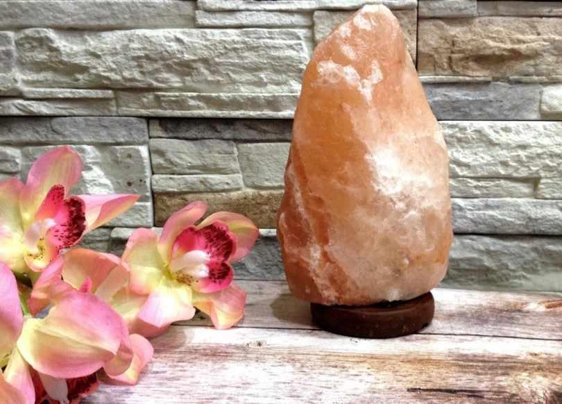 Соляная лампа поддержит здоровый климат в доме