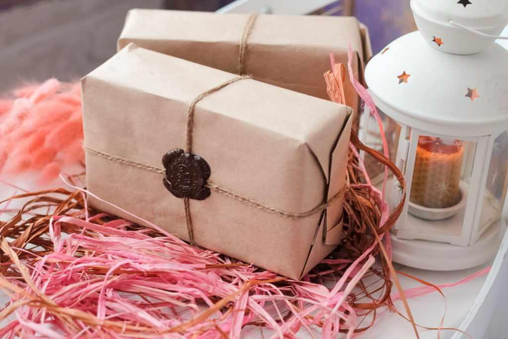 Подарок по почте