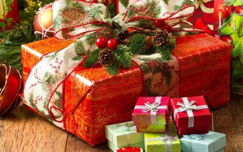 Нужно красиво упаковать подарки