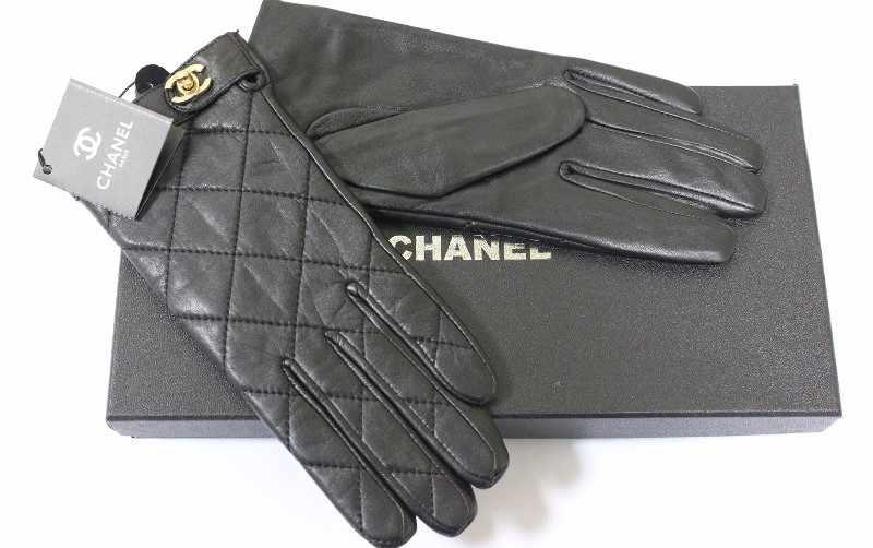 Кожаные перчатки девушке