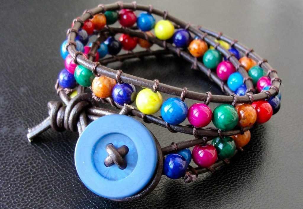 Стильный яркий браслет