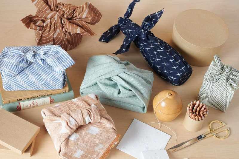 Упаковка подарков по схеме фурошику