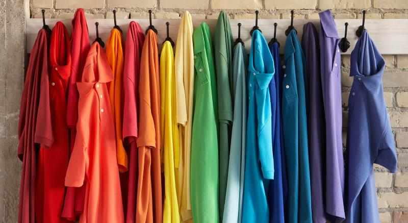 Подобрать красивую и подходящую одежду сложно