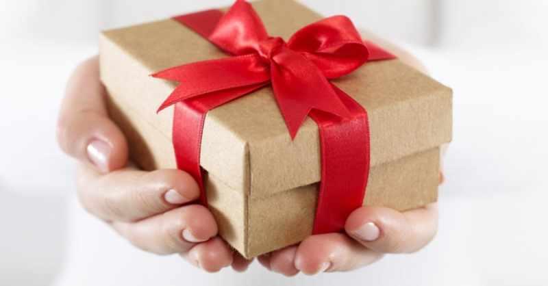 При выборе подарка стоит посоветоваться с родителями и близкими людьми