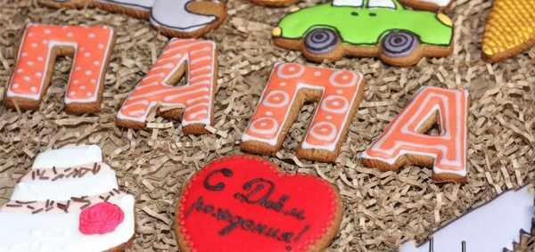 торт и печенья