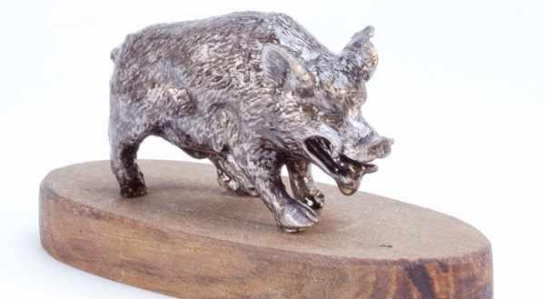фигурка из олова кабан