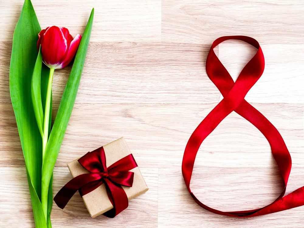 Подарок на 8 марта