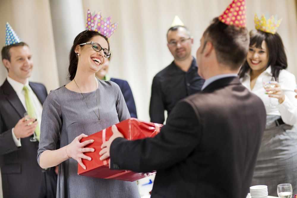Подарок руководителю женщине на День рождения