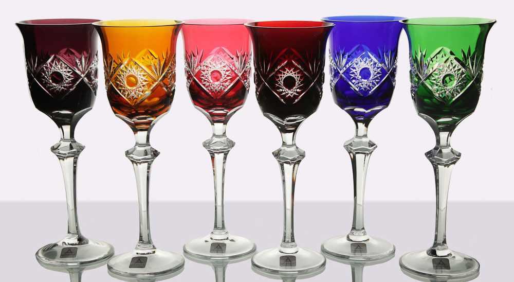 Разноцветные бокалы