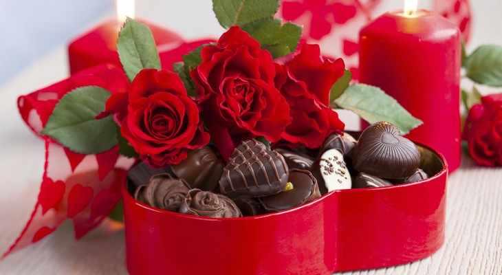 шоколад и красные розы