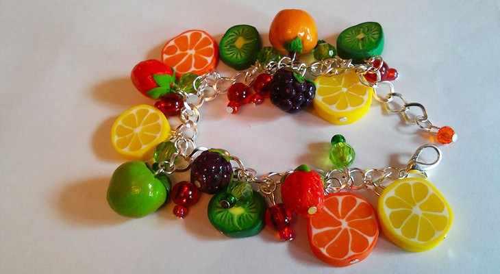 Украшения в виде сочных фруктов