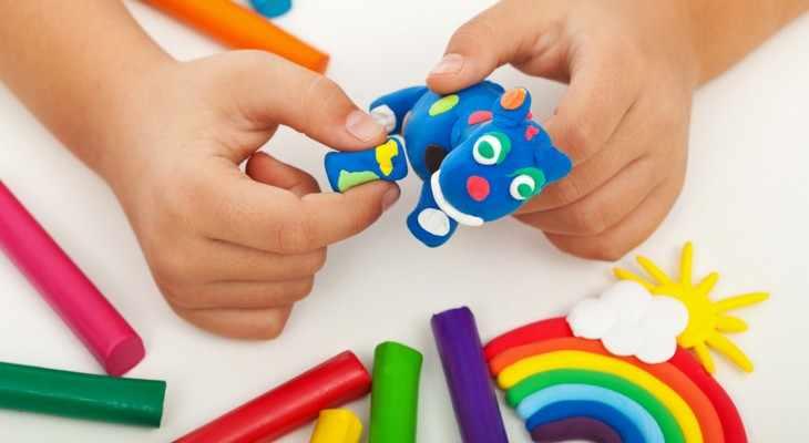 Набор разноцветного пластилина