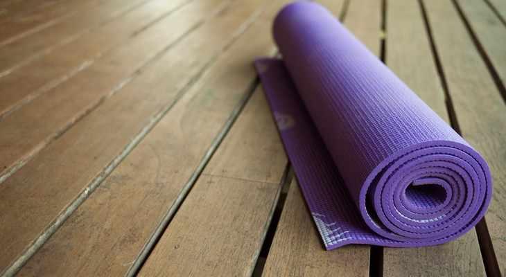 коврик для занятия фитнесом